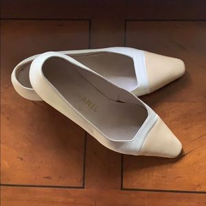 EUC Chanel Heels, Cream with Tan Cap Toe, sz 38.5